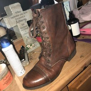 size 10 brown steve madden boots! lightly warn